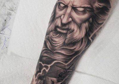 laura marie tattoo 4